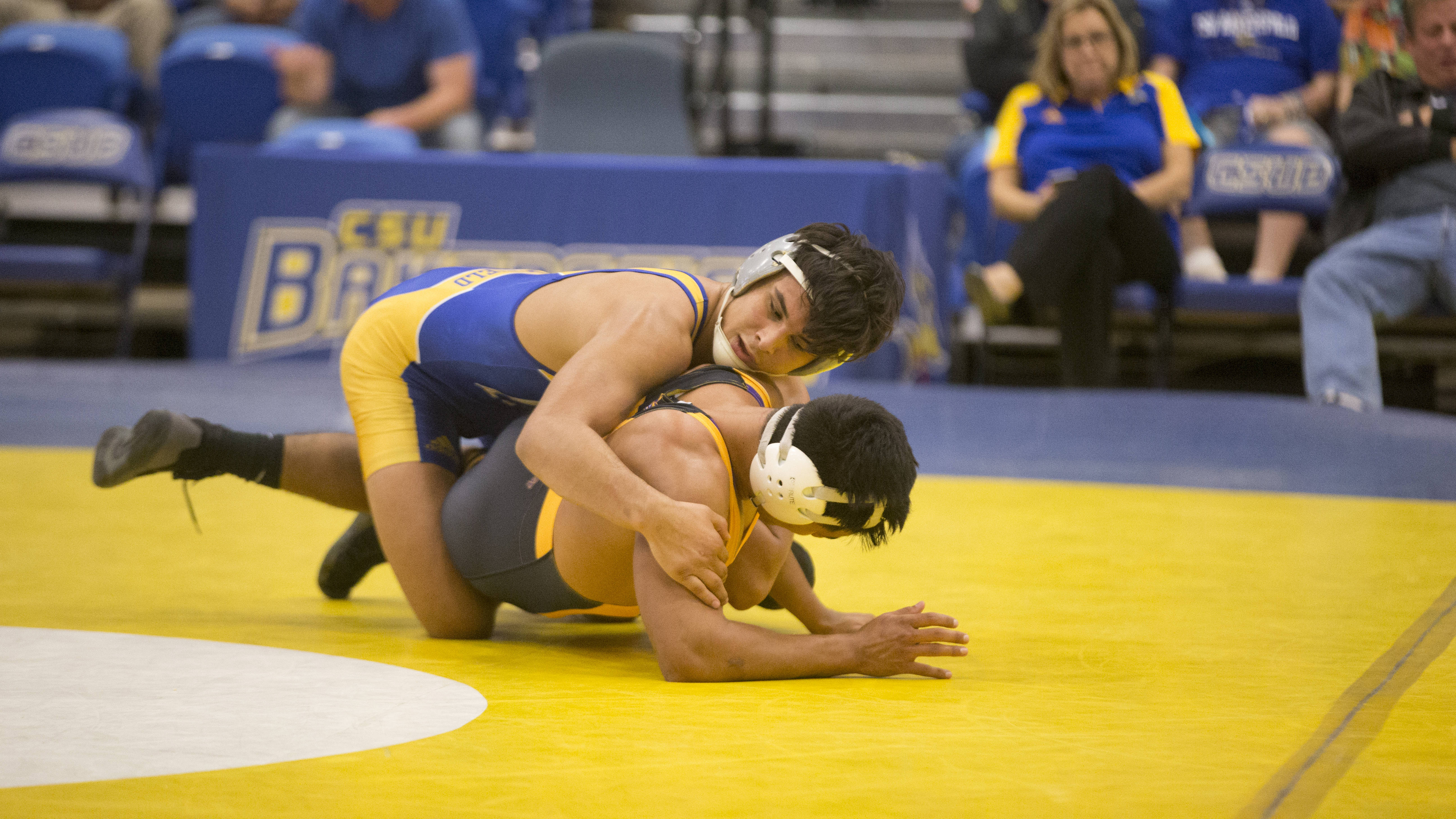 Blue Holds Off Gold For 19-17 Win In Blue-Gold Dual