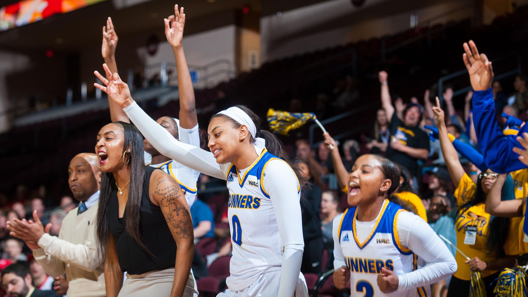 super popular fcc74 a9651 Women's Basketball Adds Tyonna Singleton - California State ...