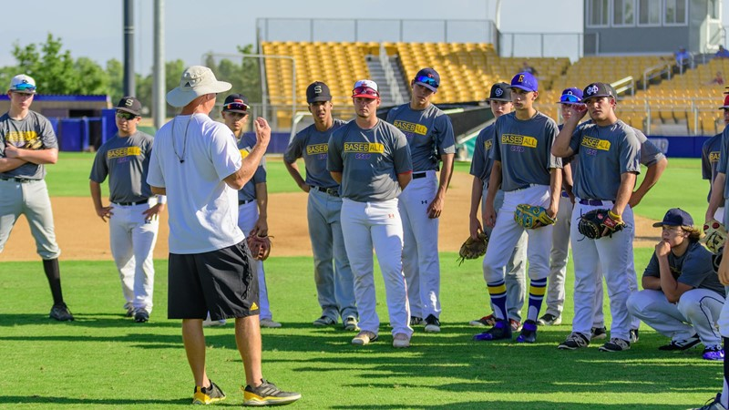 Runners To Host Youth And Prospect Camps California State University At Bakersfield Athletics
